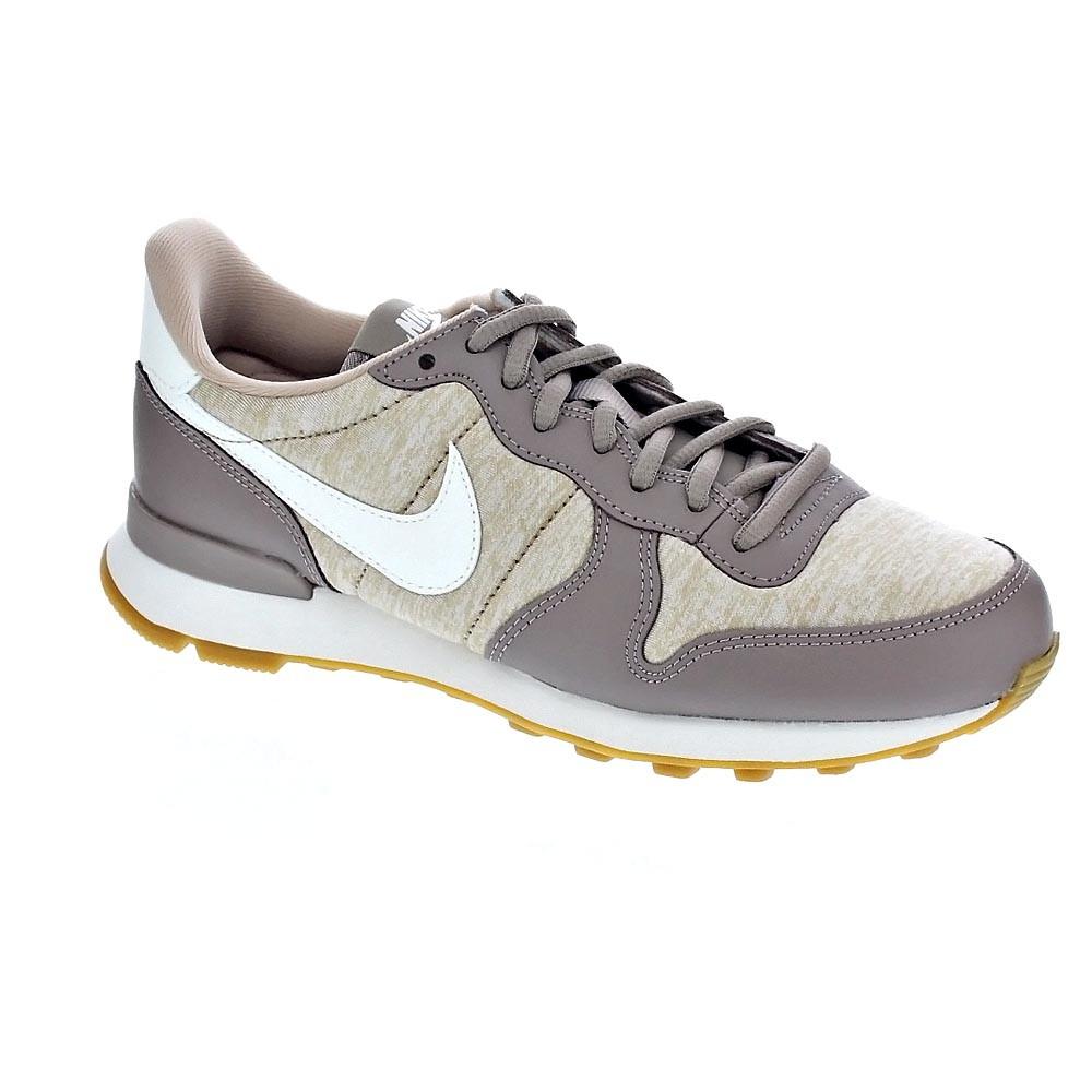 A buon mercato Nike Internationalist Zapatillas bajas Mujer