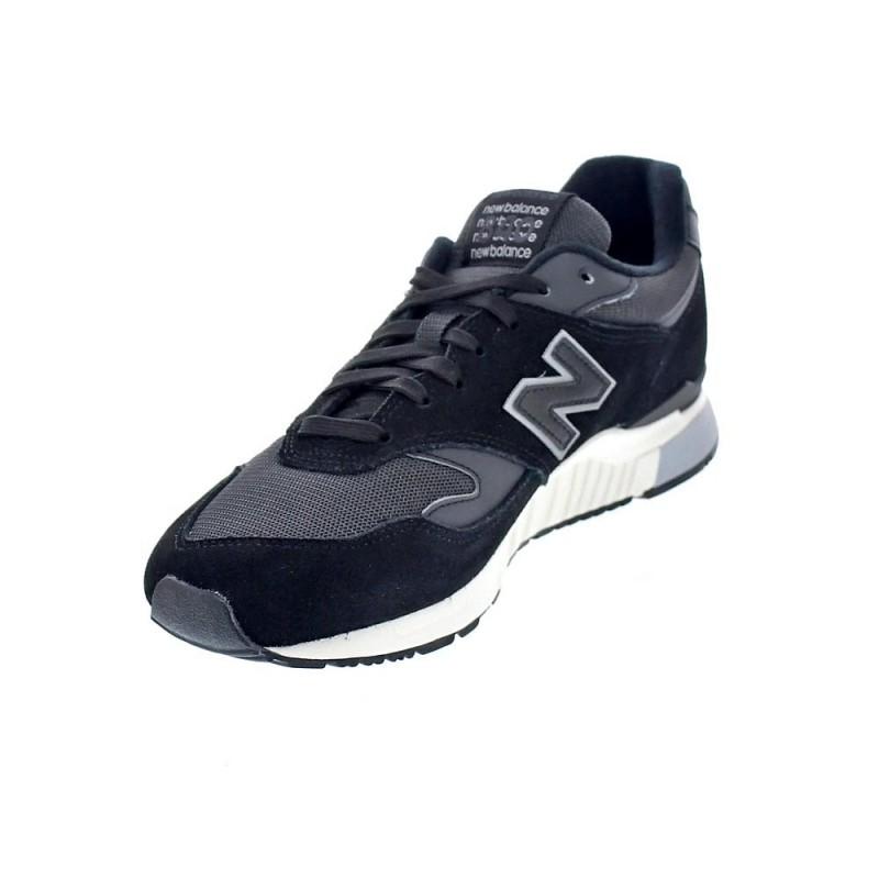 New Balance 840 negro