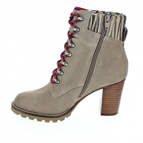 Basic Hiking Heeled Boot Suede